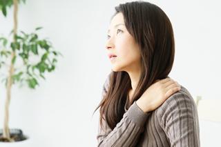 首・肩の痛みのイメージ