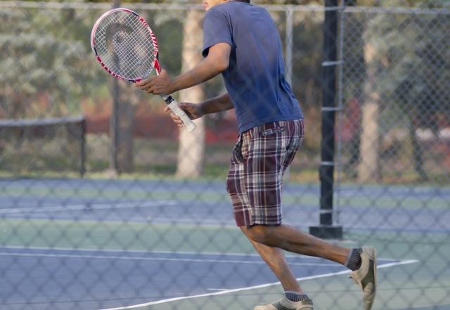 テニス肘画像